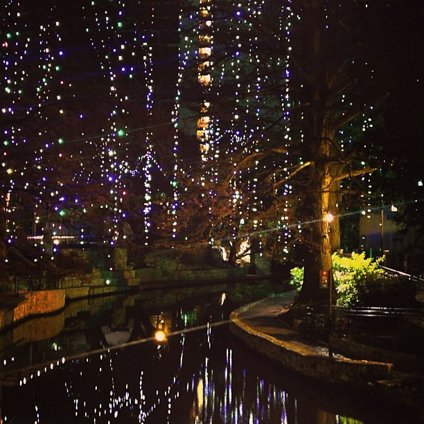 #afterglow #sanantonio #lastnight #bikeride #latergram #riverwalk #holidays #texas