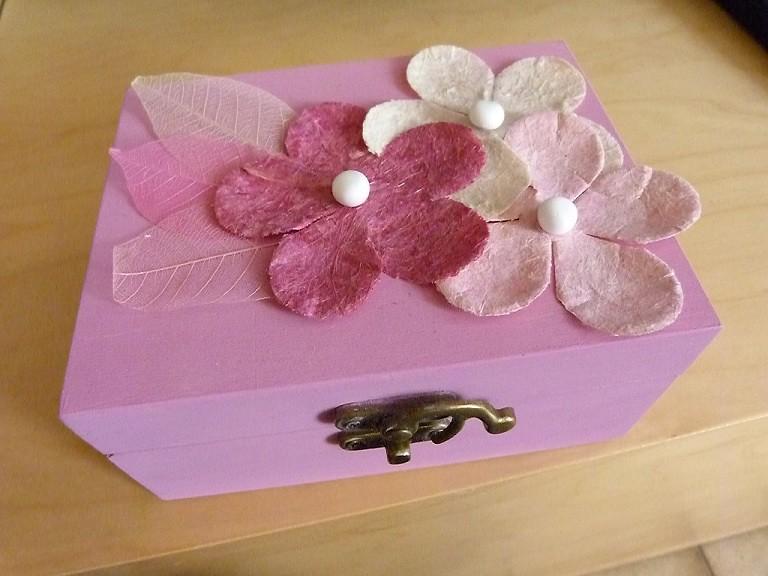 mouton et coton cadeau fait main 1 la petite boite bijoux. Black Bedroom Furniture Sets. Home Design Ideas