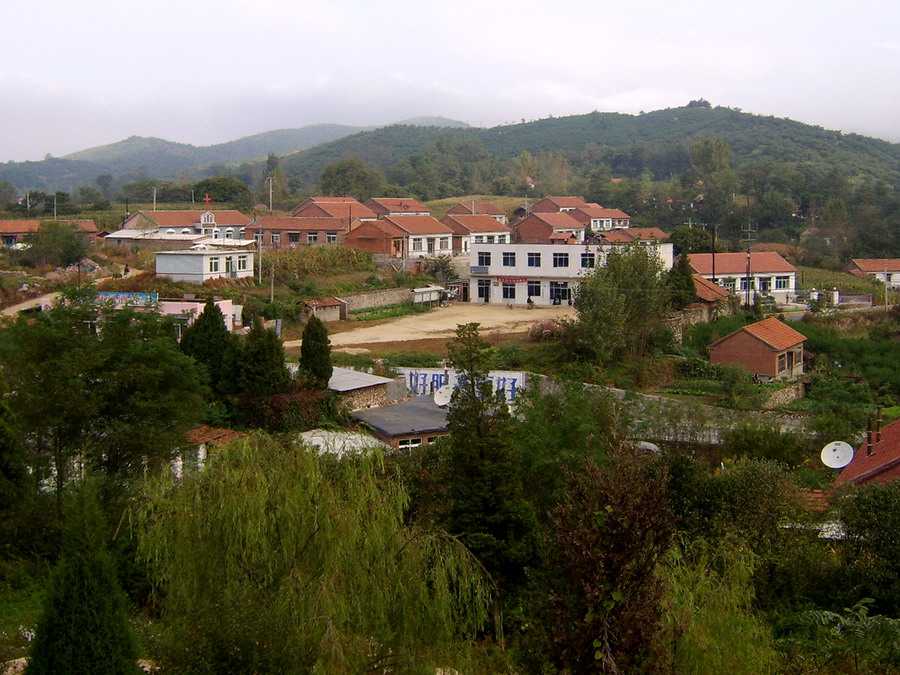 Village near Hushan fortress(1)