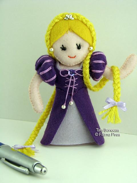 Rapunzel em feltro! : )