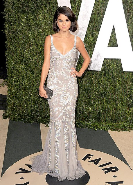 selena-red-carpet-dresses-selena-gomez-32082302-600-838