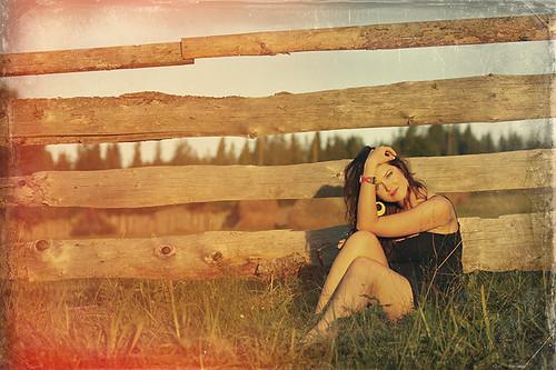 portrait woman sun texture canon romania moldova bucovina canonef70200mmf28lusm suceava canoneos50d carlibaba canon50d