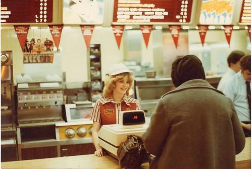 麦当劳工作者在80年代初