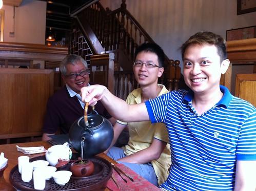 Tea crawl at tea chapter with tea master Vincent