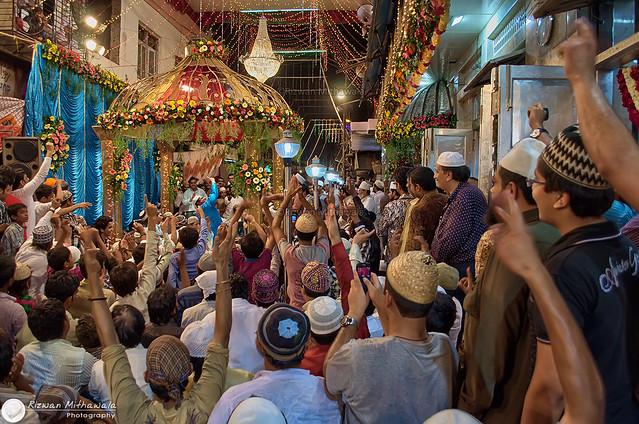 Qawwalli at the dargah of Haji Abdul Rehman Shah Baba Qadri (R.A.) in Mumbai