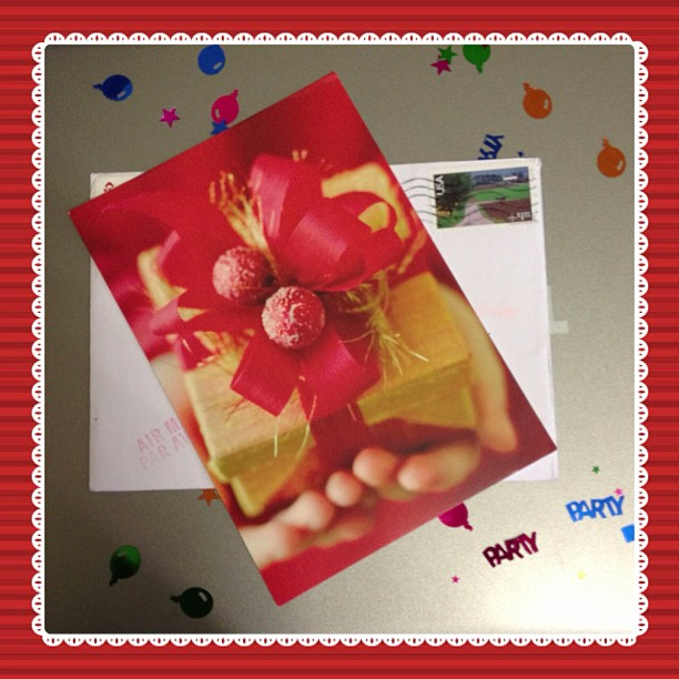 Received a wonderful card from @yessy9663, thank you so much. #snailmail #card #present #christmas #postagestamp #stamp #usa