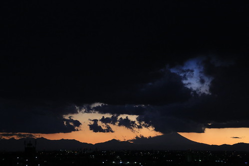 2012 Last Sunset with Mt.Fuji