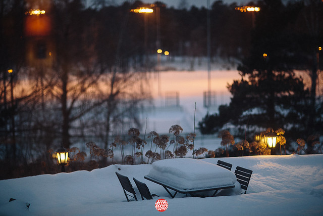 363/365 Table, Chairs And Snow