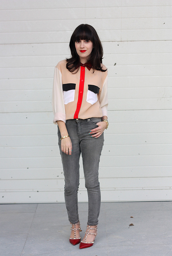 equipment_isabelle_color_block_blouse_valentino_rockstud_heels3