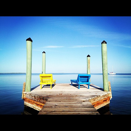 Buenos Dias from #keylargo. May your day be bright, colorful, and calm. <3