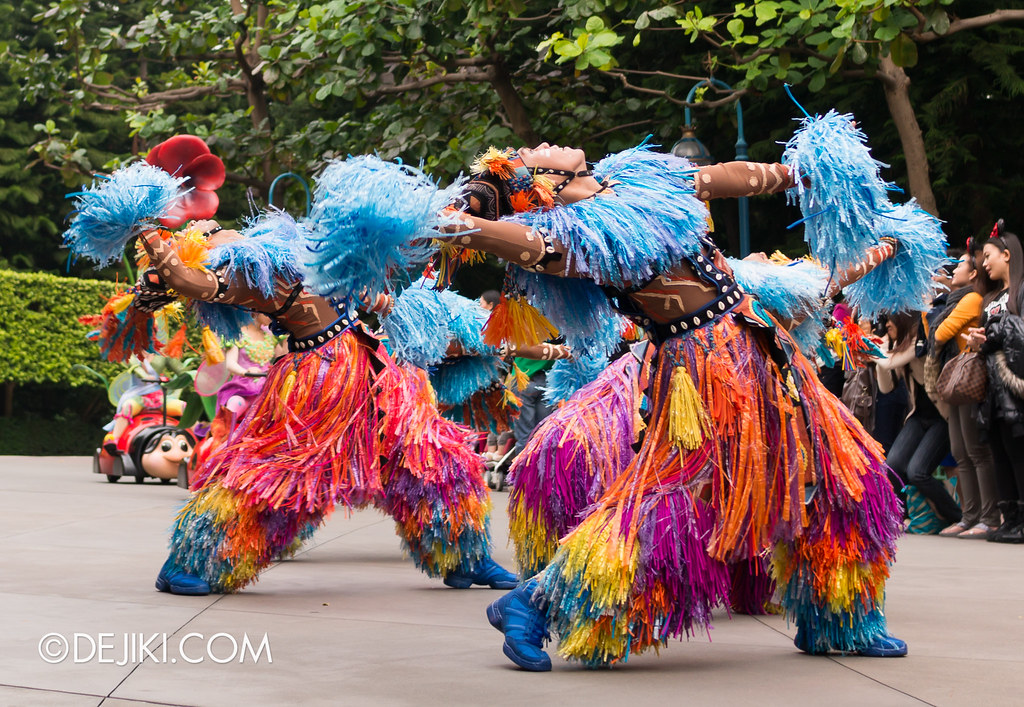 Jumpin' Jungle Jam - African dancers