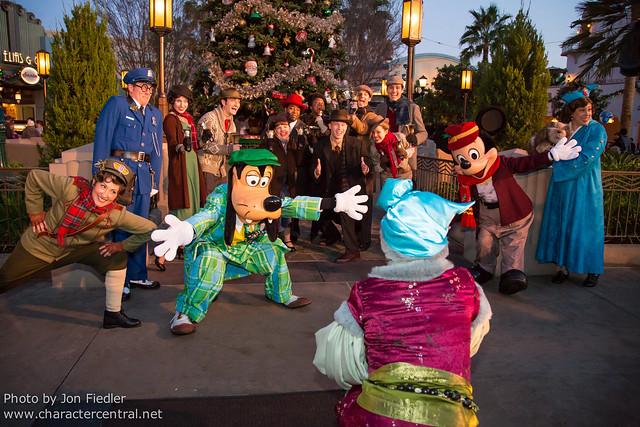 Disneyland Dec 2012 - Buena Vista Street Holiday Tree Lighting