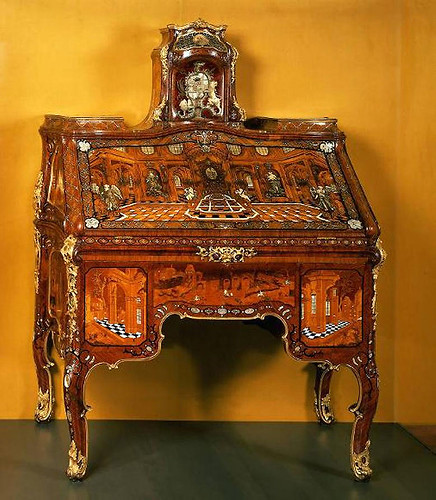 002--Secretaire- Abraham Roentgen-1765-via furnitology.blogspot