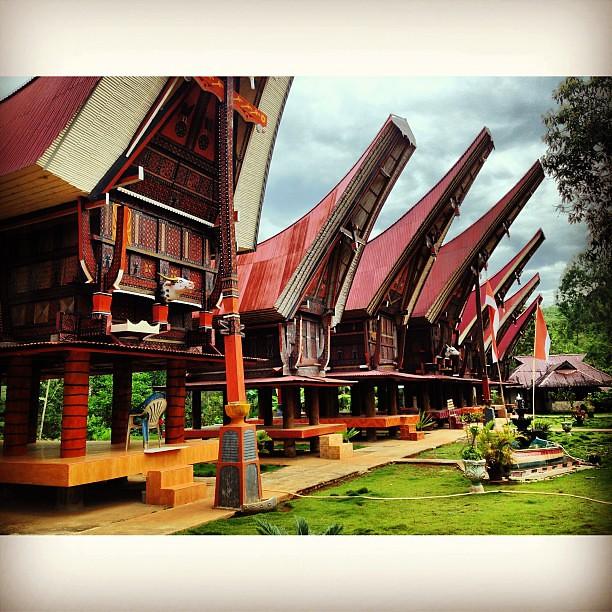Download this Rumah Adat Tongkonan Picoftheday Journey Tanatoraja Makassar picture