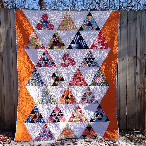 My third finish for 2013!! I love it!! Pattern is Toes in the Sand by @jaybirdquilts. Fabric is Treasures and Tidbits by Piece O Cake Deaigns for @robertkaufman @allieheath :)