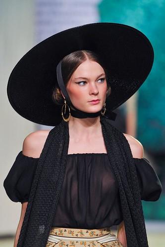 ulyana-sergeenko-details-haute-couture-spring-2013-pfw1