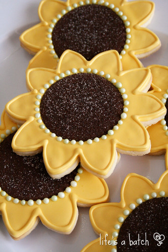 Sunflower cookies.