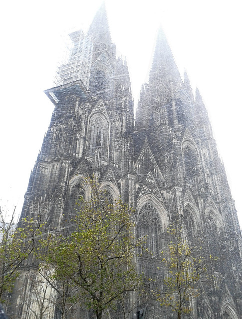 Snowing on Cologne Dome