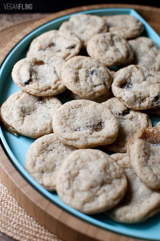 caramelchocolatechipcookies2_veganfling