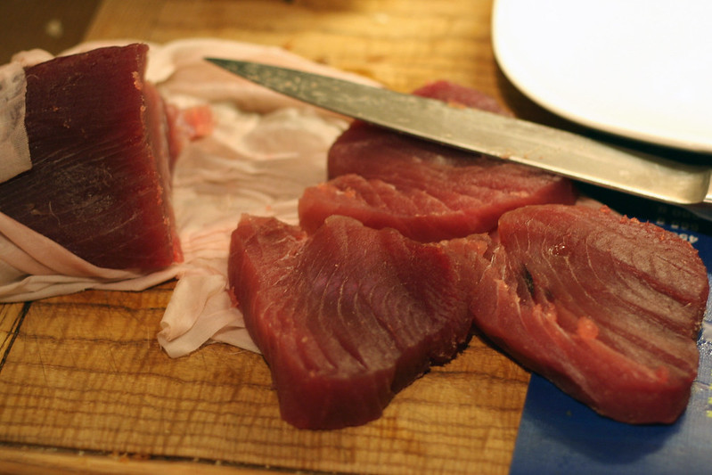 türchen 16: kurz gebratener thunfisch mit mango-vinaigrette
