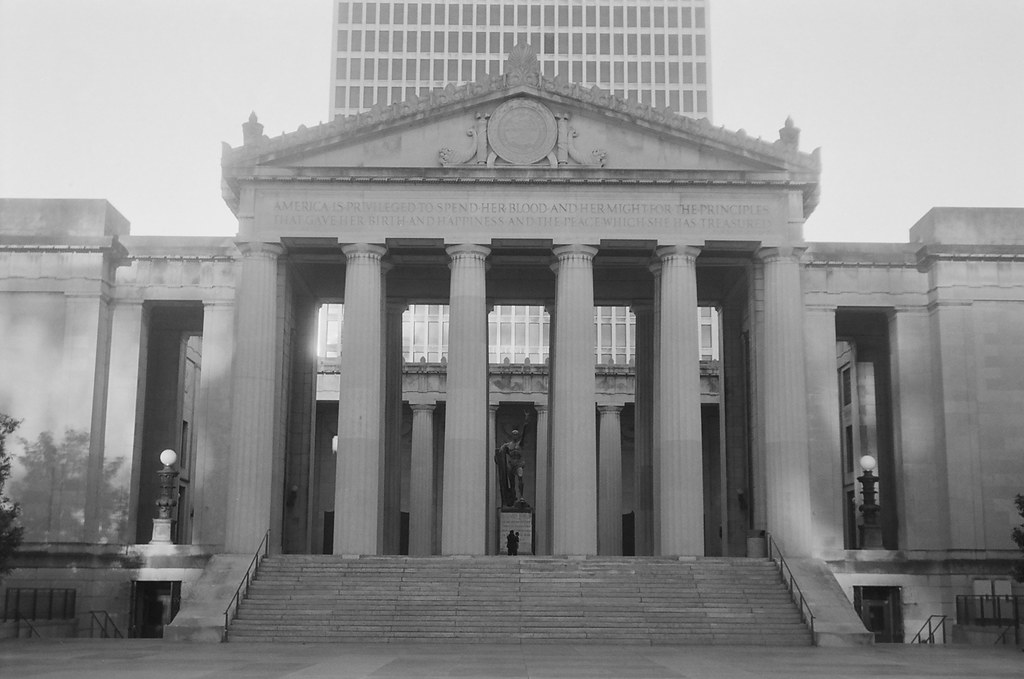 on film: nashville holiday in black and white