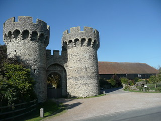 Cooling Castle Gatehouse and Barn