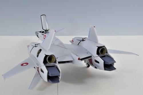 やまと 完全変形 1/60 VF-4G Lightning III ファイター 駐機