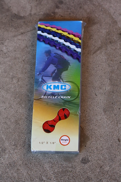 red kmc chain