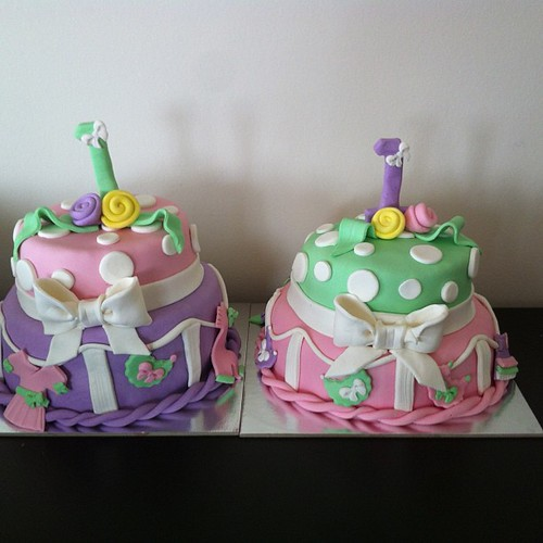 Twins 1st birthday cake by l'atelier de ronitte