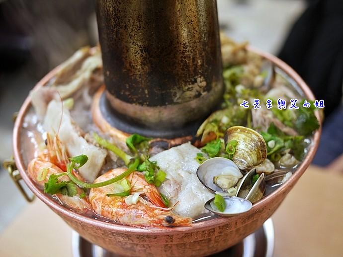 13 蝦子、蛤蜊、白肉