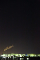 工業地帯の夜空