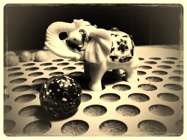 Chinese checkers elephant