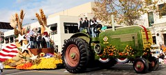 NOW .... that is a real Tractor