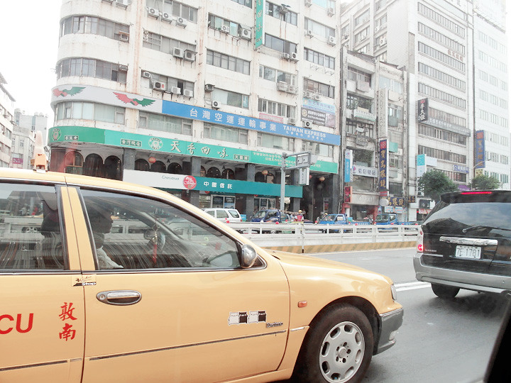 on cab at Taipei