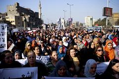 Women march to Tahrir