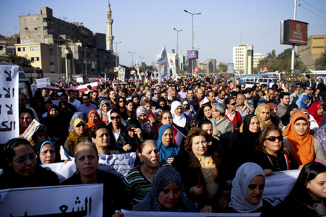 Women march to Tahrir