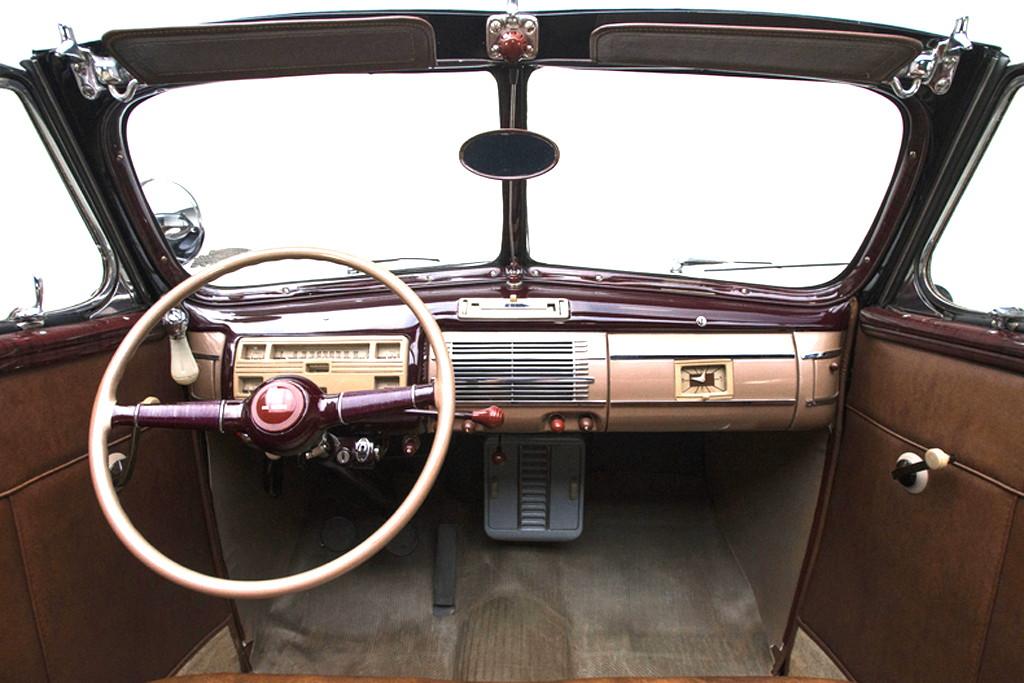 40023_M Ford Deluxe 221CI Flathead V8 3SPD CV_Black