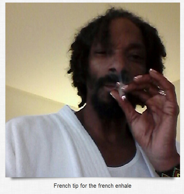 snoop-dogg-french-tips-finger-nails-(2)