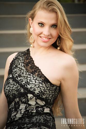 Camilla Loman - Miss Terra Castro 2012