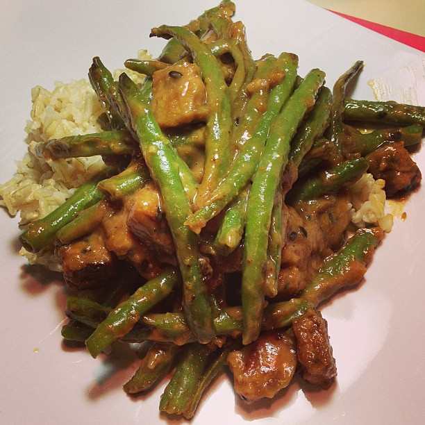 Dinner: Mirin Glazed Tempeh and String beans w. Peanut Sauce over Brown Rice #vegan
