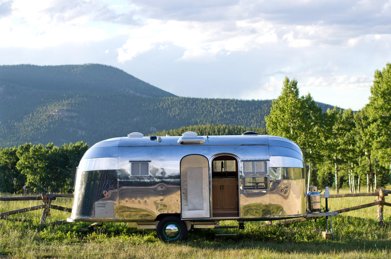 Focus St Towing >> Great Design Monday: Airstream Trailer | Springleap