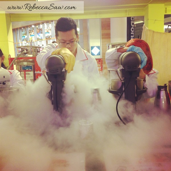 N Brew, ECurve - Liquid Nitrogen Ice Cream