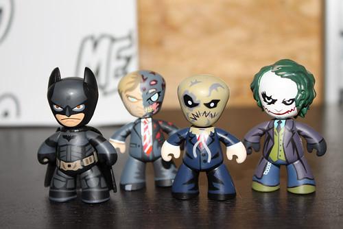MEZCO_MEZIT_DC_COMICS_BATMAN-1
