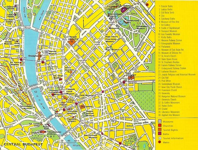 Carte de Budapest dans un joli jaune soviétique (1982). Image : NH Hamilton.
