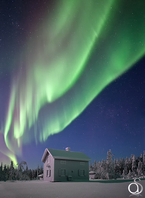 8461415416 11bfd78d2f z Aurora Borealis: Weird Phenomenon, Awesome Photos.