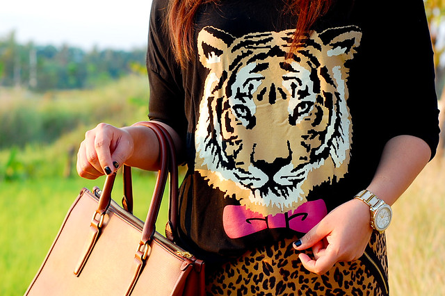 tiger face shirt, a costume