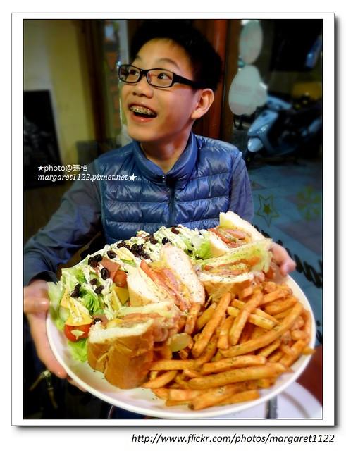 【台北食記】民生社區。第八街美式餐廳