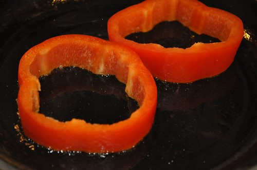 eggs in pepper rings 2