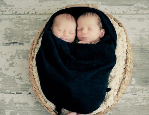 Twins-34