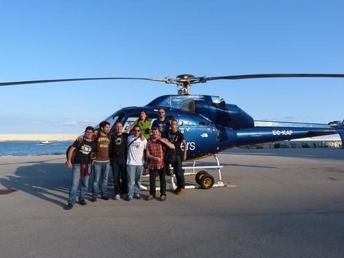 Foto de grupo en el Helicóptero con el que volamos por Barcelona